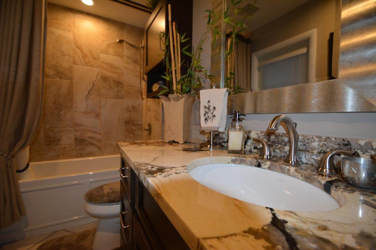 Bathroom remodel small bathroom ideas the bath for Bathroom renovation tampa