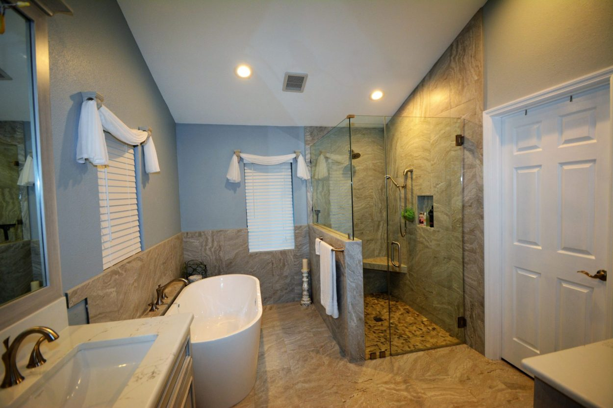 Bathroom remodeling best contractor for your bathroom for Bathroom renovation tampa