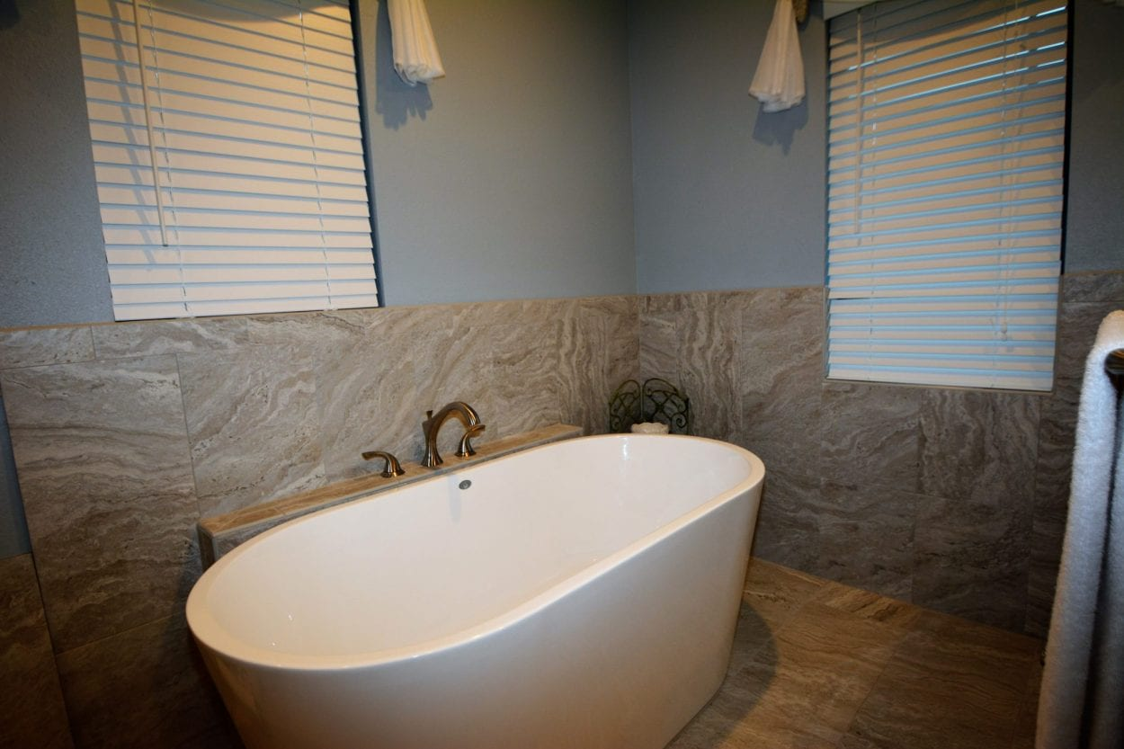 Bathroom Remodeling Tampa | Benefits of Frameless Shower Doors
